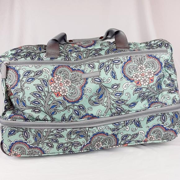 Vera Bradley Handbags - NWT Vera Bradley Lighten Up Wheeled Carry-On Fan